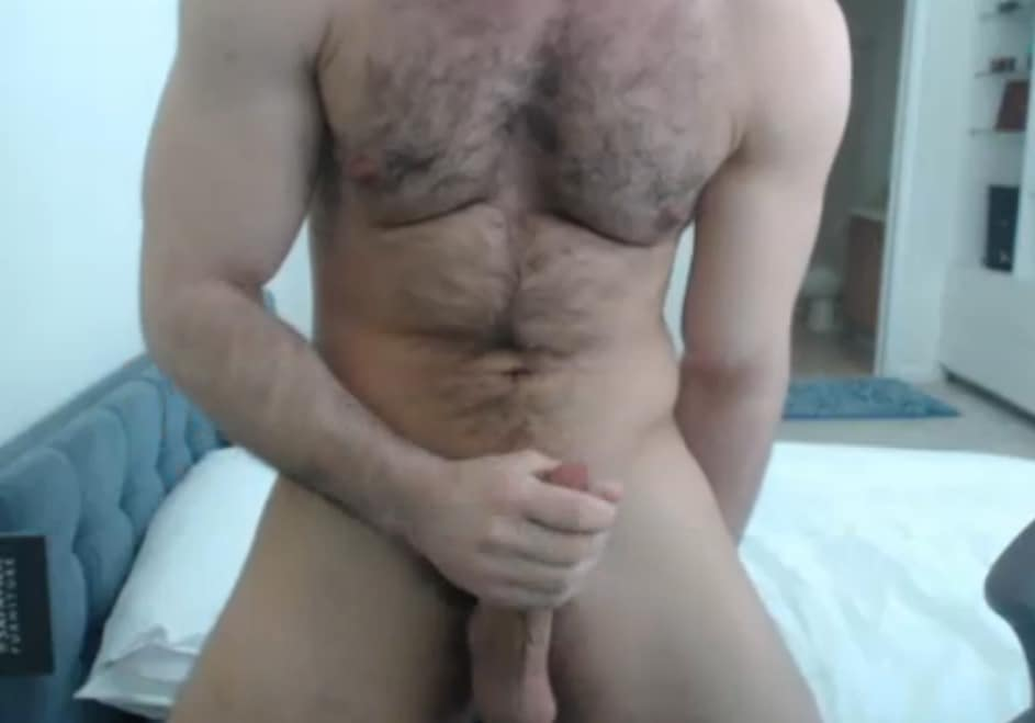 Hairy Muscle Guy With Webcam